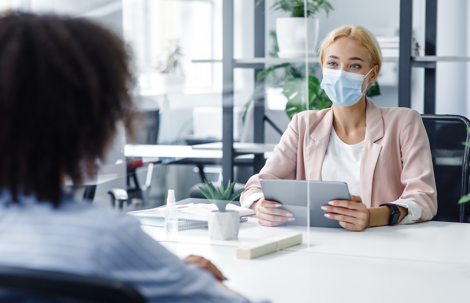 Face-to-Face In-Person Interview Etiquette During COVID-19
